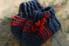 crochet red and blue baby shoes tutorial